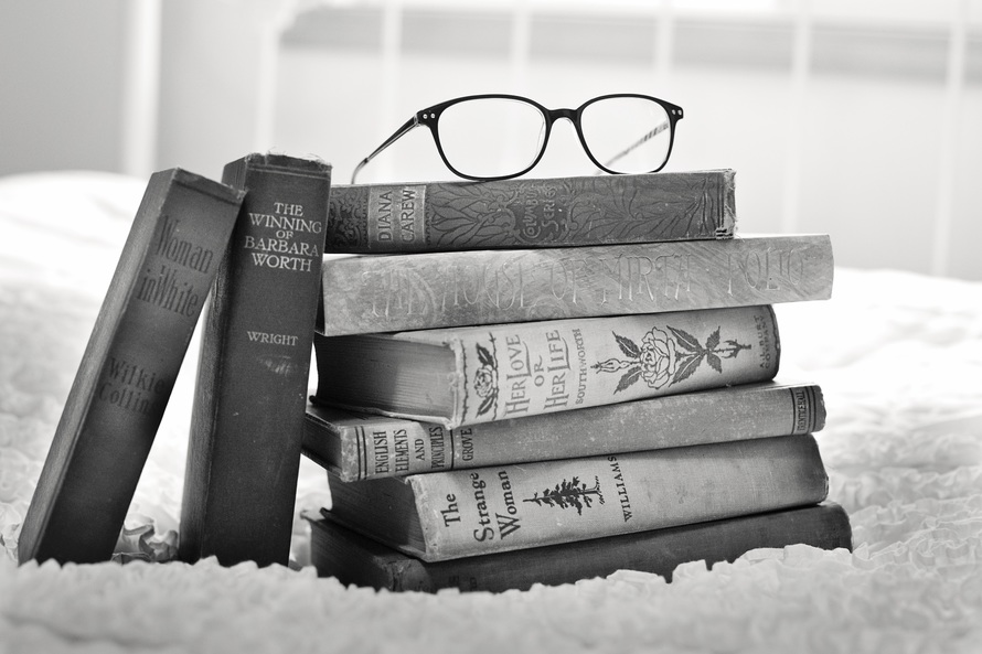stack-of-books-vintage-books-book-books-large