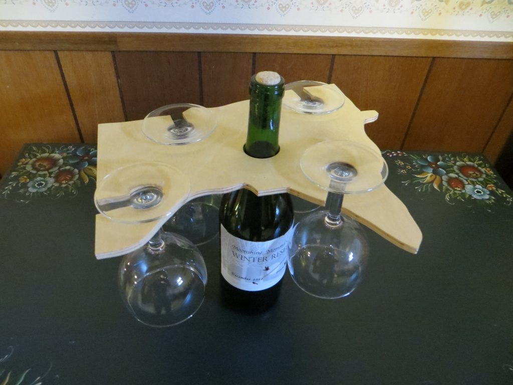 Minnesota Wine Glass Holder with 4 Glasses & Bottle of Wine